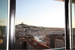 Furnished apartments marseille 13 flats to rent short for Location garde meuble marseille
